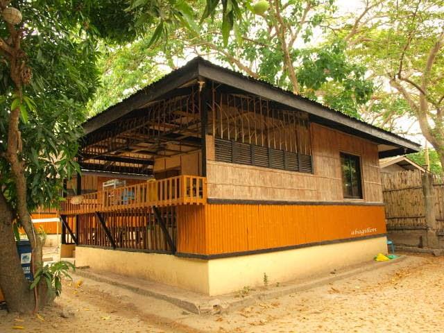 Half Concrete Half Wood House Design