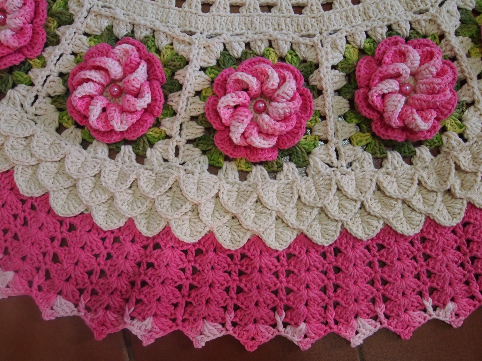 os croches da elsa tapete redondo   flores rosa da