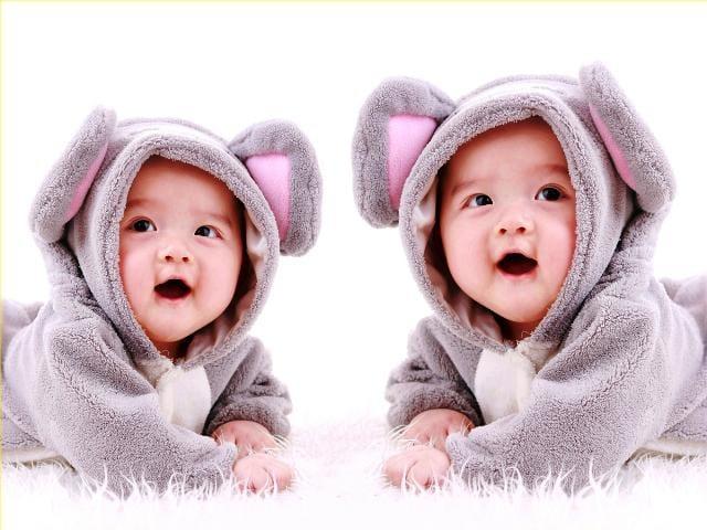 Kisah Bayi Kembar 11