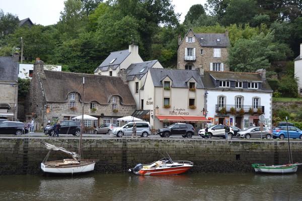 guía viaje pont aven bretaña francesa