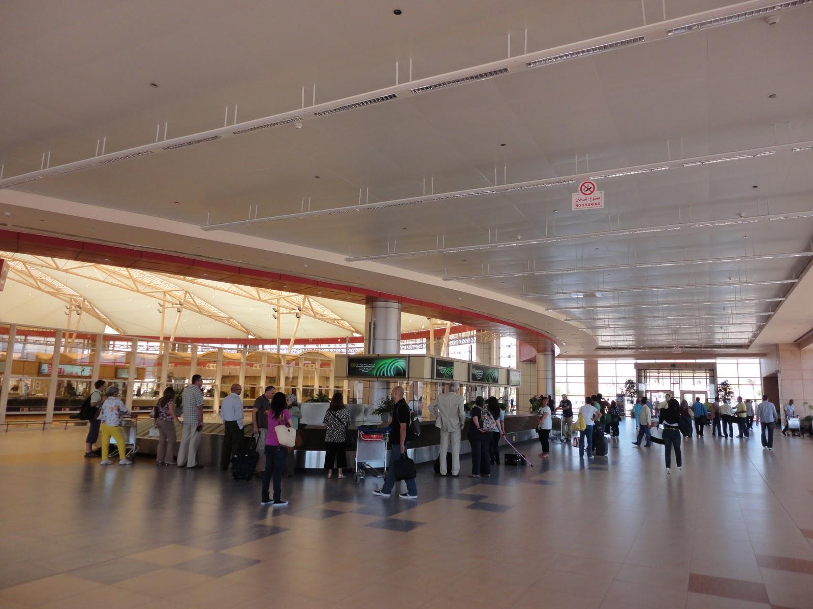 Aeroporto Sharm : Egito chegando ao balneário de sharm el sheikh