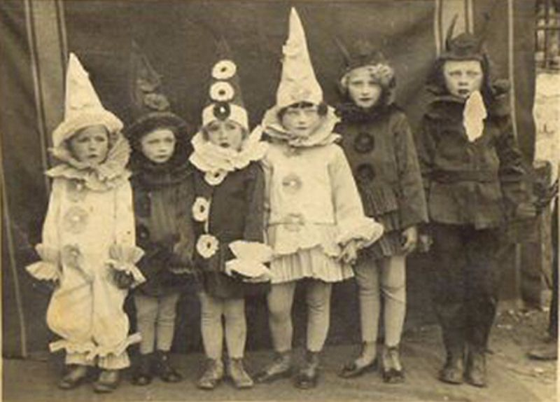 1970s Halloween Costumes