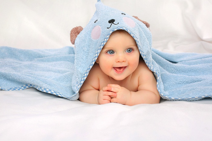 Cute Blue Eye Baby Wallpaper