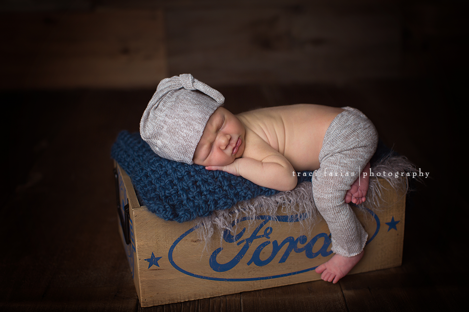 Easton traci farias newborn photographer visalia tulare central valley photographer