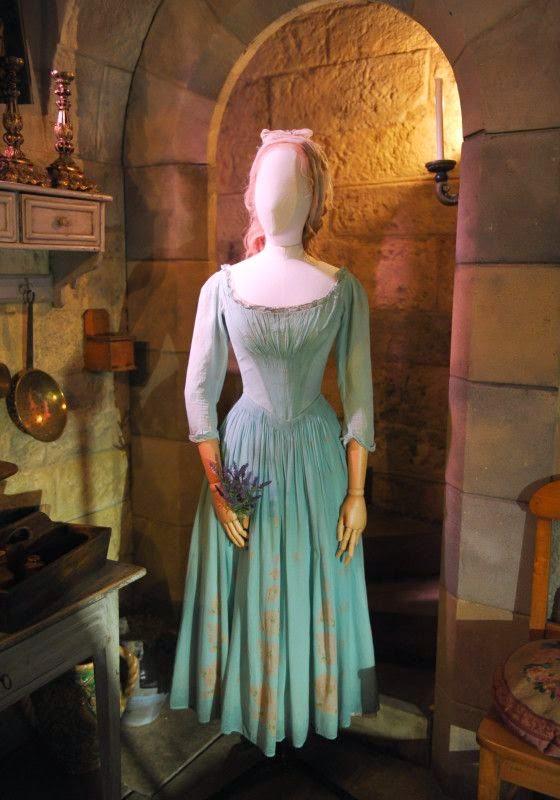 Cinderela vestido azul plebeia