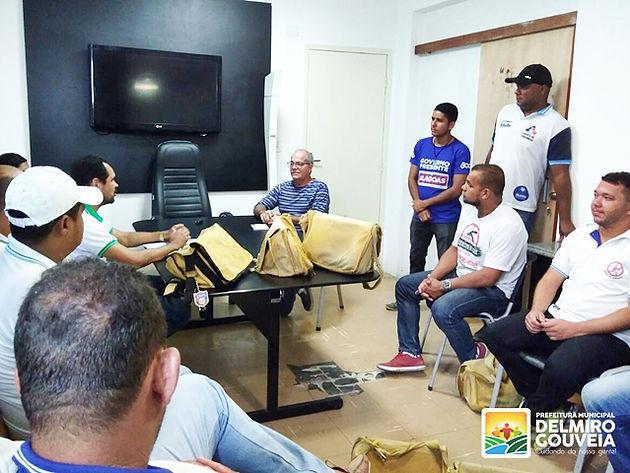 Em Delmiro Gouveia, Secretário de Governo recebe agentes de endemias e busca solucionar pedidos da categoria