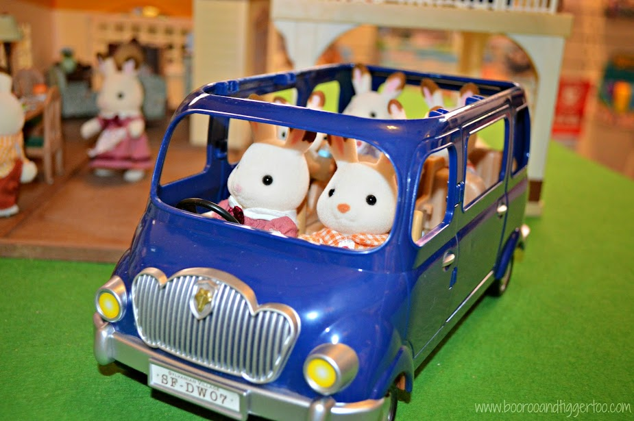 Boo Roo and Tigger Too: Silent Sunday Sylvanian Familes