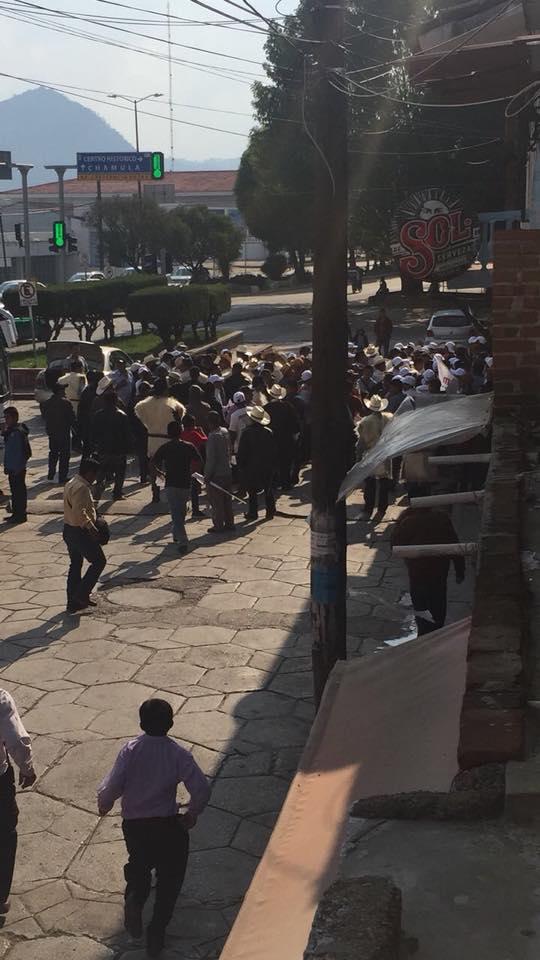 Indígenas seguidores de Andrés Manuel López Obrador