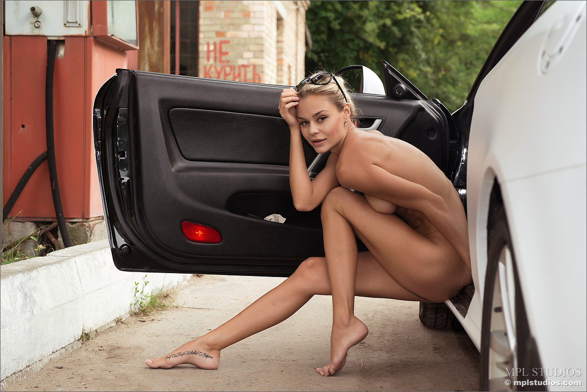 Free nude girls and cars opinion