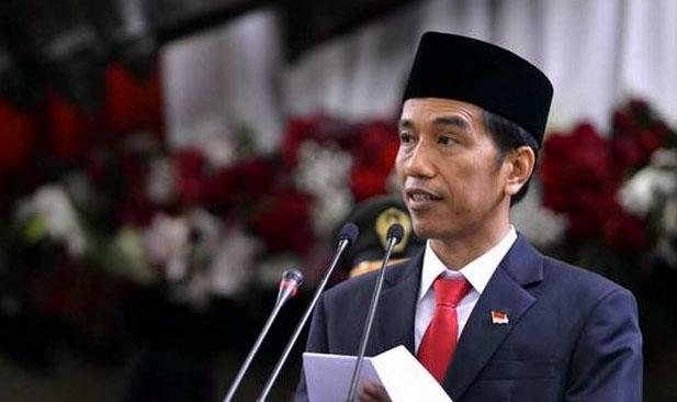 Jokowi Peringatkan Hati-Hati Bikin Status di Media Sosial