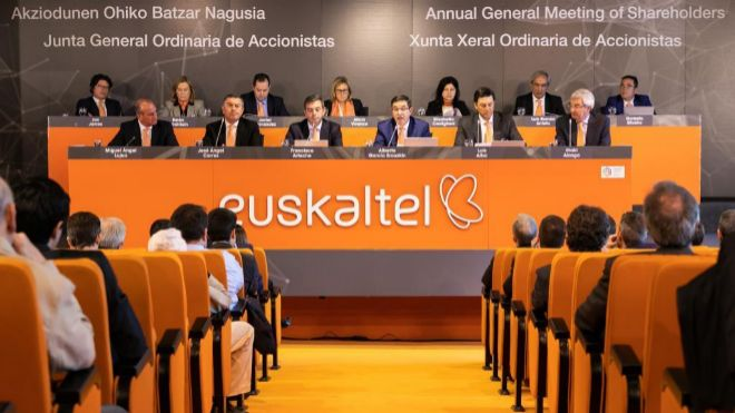 Zegona socio mayoritario de Euskaltel
