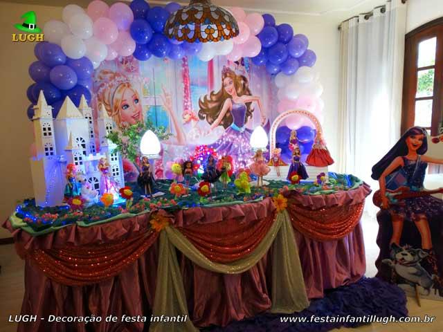 Decoração tema Barbie Pop Star e a Princesa - Mesa temática tradicional de tecido versão luxo - Jacarepaguá RJ