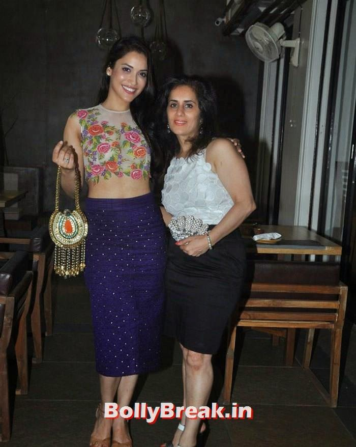 Neeta Parekh, Rashmi Nigam, Pics from Zeba Kohli's Show 'Project Seven' Preview