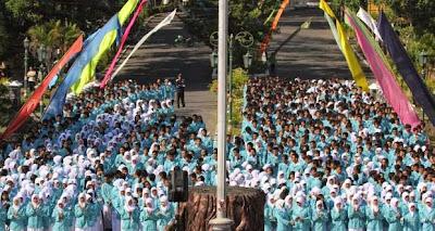 Mahasiswa Baru UNS Surakarta