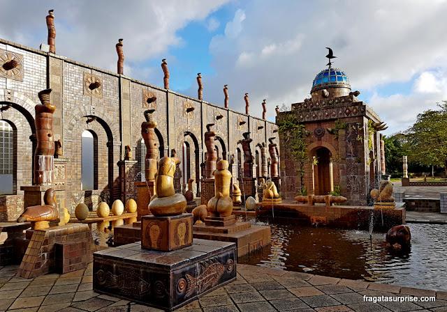 Templo concebido por Francisco Brennand, no Museu Oficina de Brennand, Recife