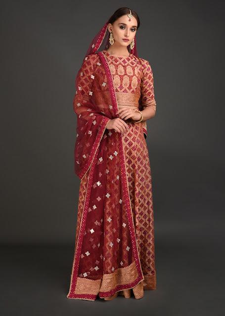 Gold Kimkhab Handwoven Banarasi Lehenga Outfit INR 115000 (2)