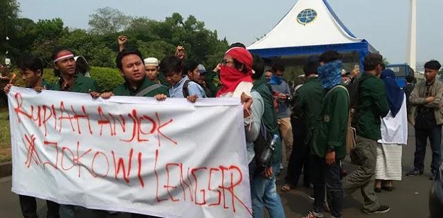 Istana Negara Didemo Mahasiswa, Nuntut Jokowi Lengser