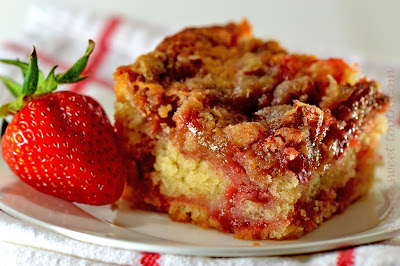 Resep Strawberry Crumble Cake