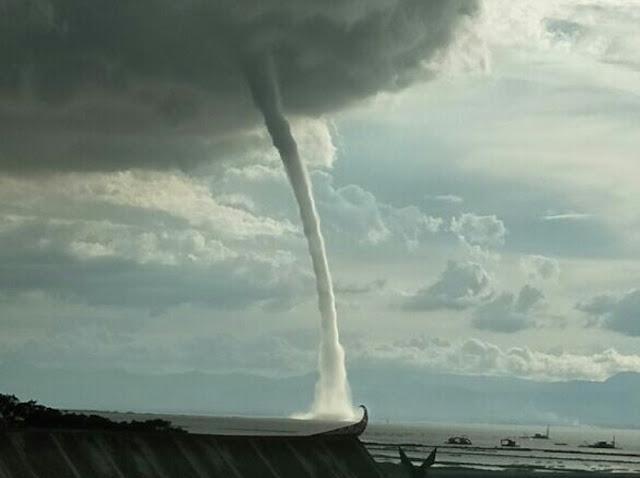 Bencana Angin Tornado Terjang Perairan Danau Tempe, Hujan Es Dikawasan Padat Penduduk