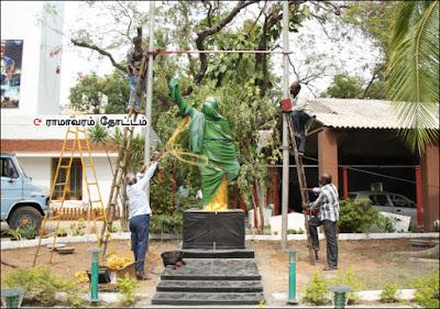 சசிகலா வசமாகுமா எம்.ஜி.ஆர் மந்திரம்?