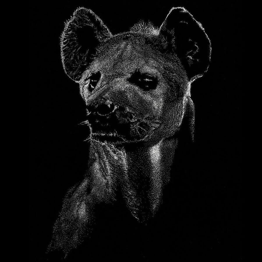 06-Stalking-prey-Karsten-Silvers-www-designstack-co