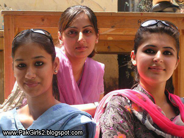 Pakistani Brides - Meet Pakistani Women for Marriage - Mail-Order-Bride