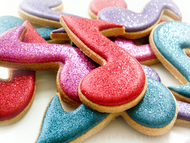 Musical note cookies with disco dust, photo by Honeycat Cookies