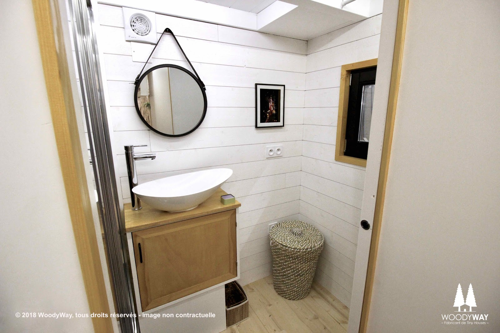 TINY HOUSE TOWN: The Athena From Woody Way