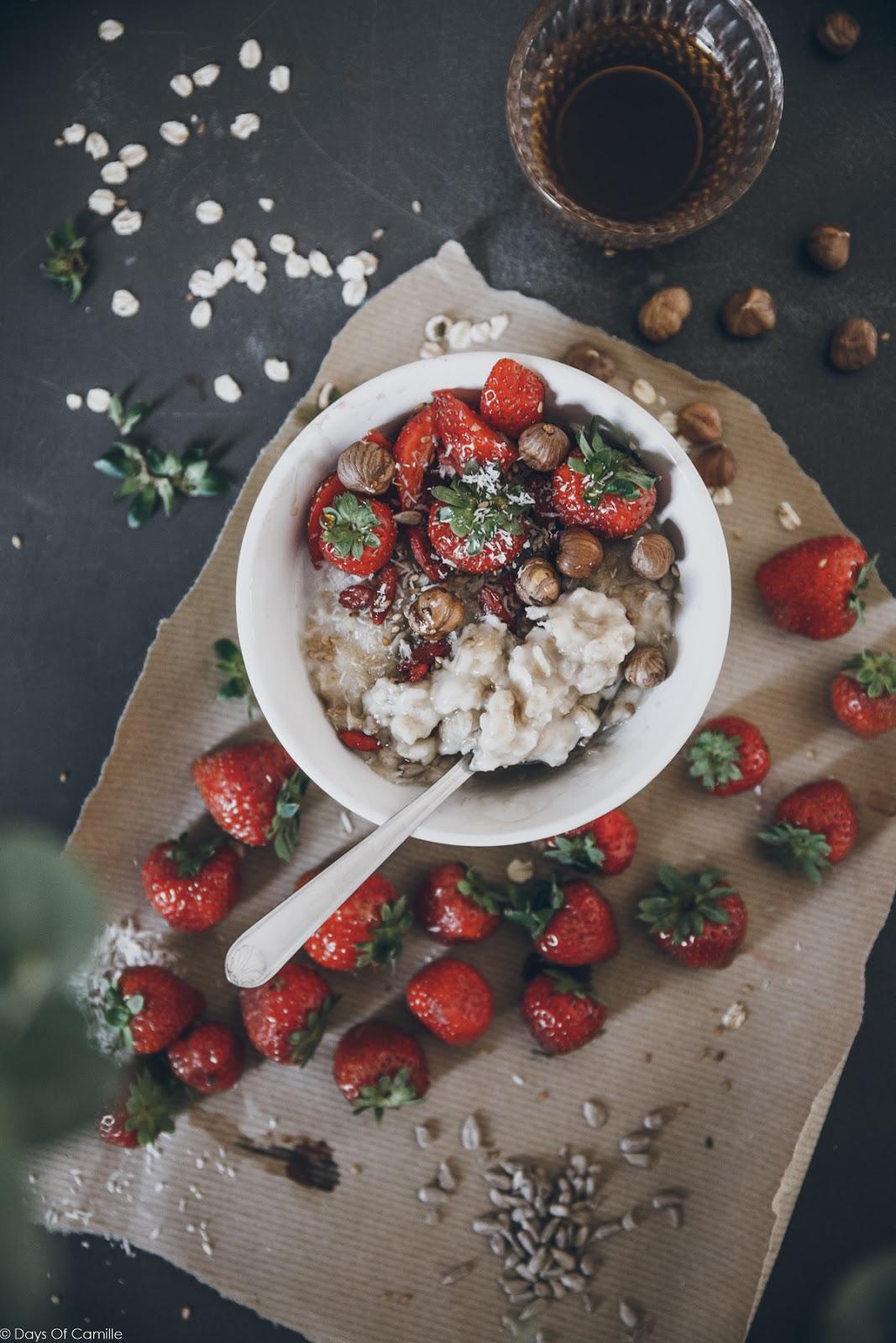 Porridge au lait de noix de coco et sirop d'érable