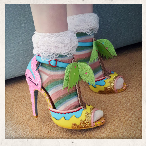 wearing irregular choice ss17 miami flamingo sandals