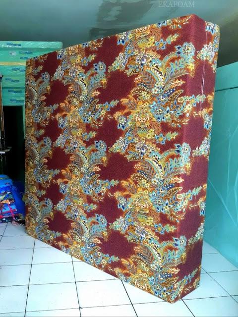 Kasur inoac motif bunga ashanti coklat