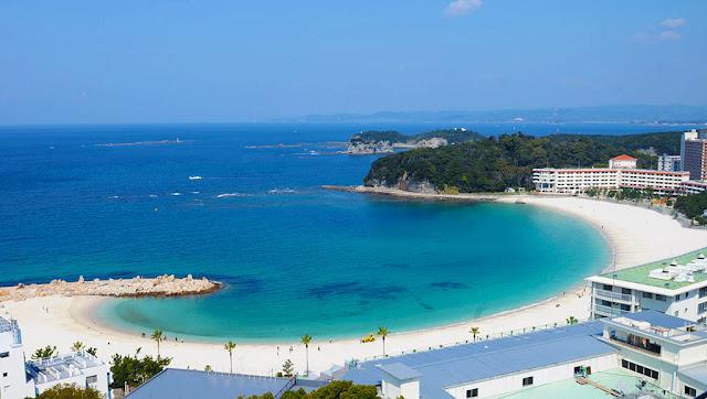 Bãi biển Shirahama