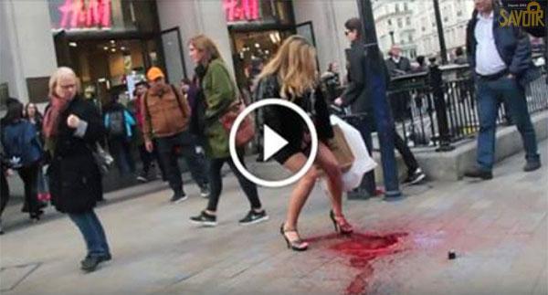 Cette femme est victime d'une « explosion » de ses règles au beau milieu d'une place publique à Londres.