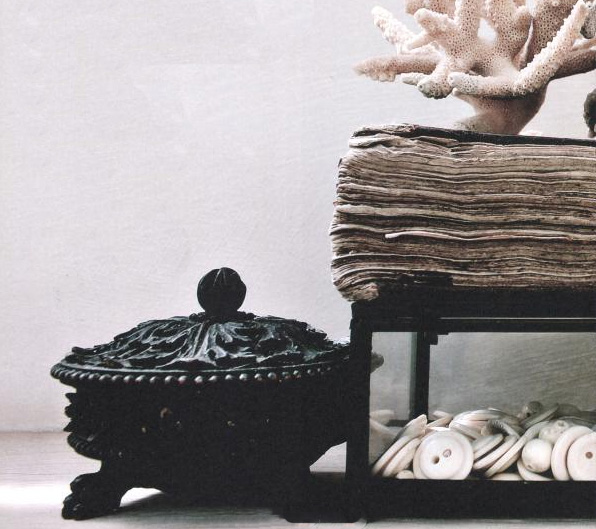 "image via the book ""a life less ordinary - interiors and inspiration"" by Zoe Ellison and Alex Legendre as featured on linenandlavender.net - http://www.linenandlavender.net/2014/01/source-sharing-i-gigi-general-store-uk.html"