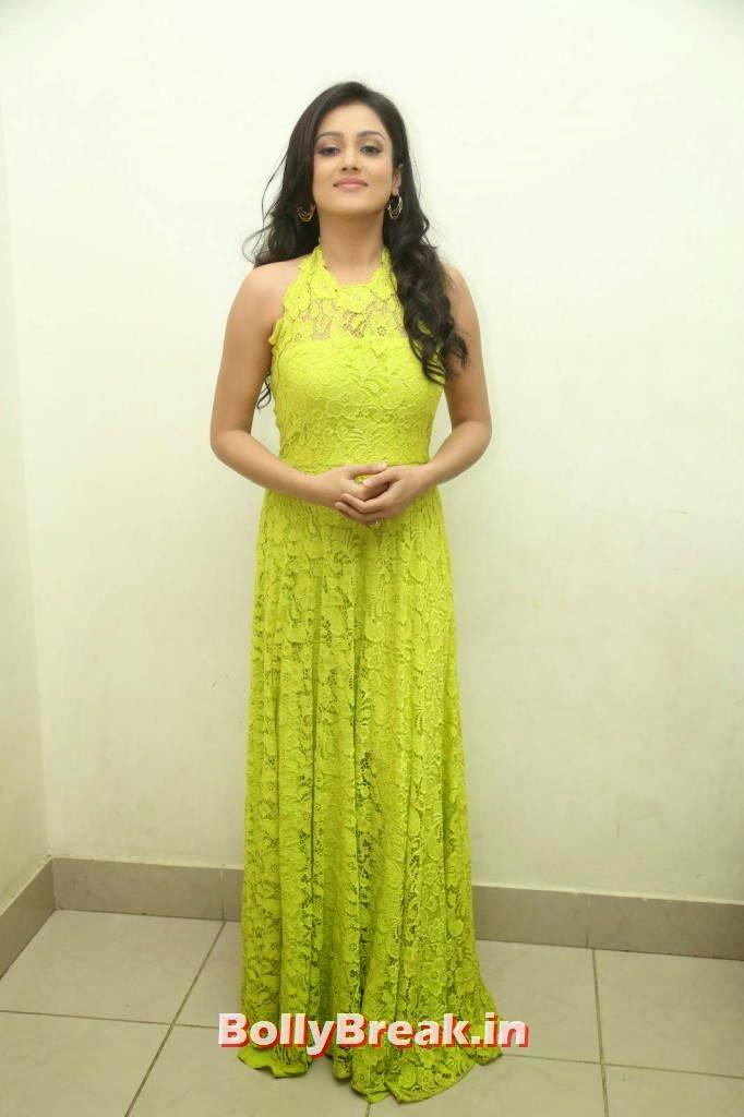 Actress Mishti Chakraborty Pictures, Mishti Chakraborty hot Hd Images in Green Dress