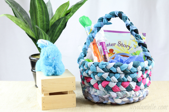 Tutorial: Braided fabric Easter basket