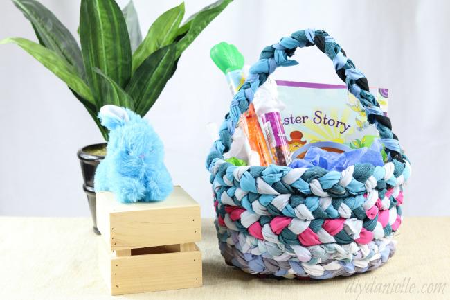 Tutorial: Braided fabric Easter basket