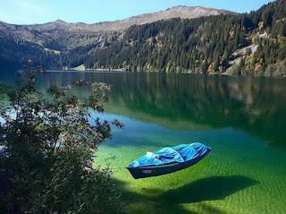 انقى بحيرة العالم