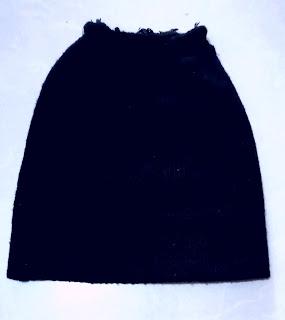 Black bonnet with cut top