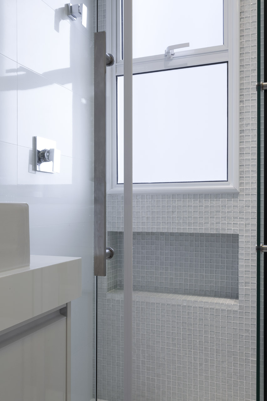Minuto Da Arquitetura NIchos no box do banheiro # Nicho Banheiro Box Medidas