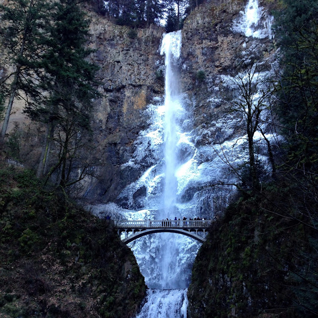 Multnomah Falls, Oregon | A Hoppy Medium
