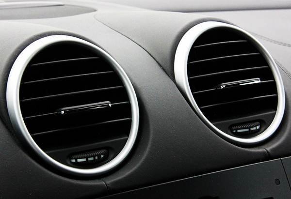 6 Cara Merawat AC Mobil Supaya Tetap Dingin otomaksi