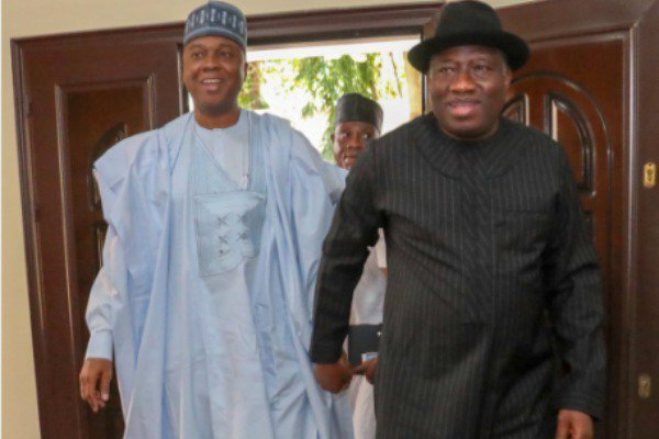 Senate President Saraki In Closed-Door Meeting With Jonathan