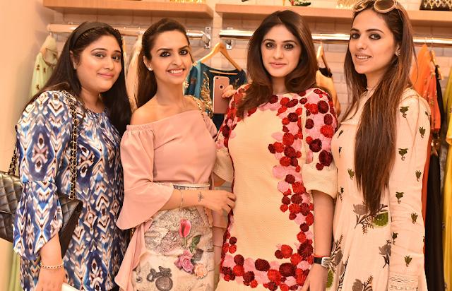 Smridhi  Gambhir+ Jasleen Chopra + Sanaa Malhotra + Gurneet Chopra