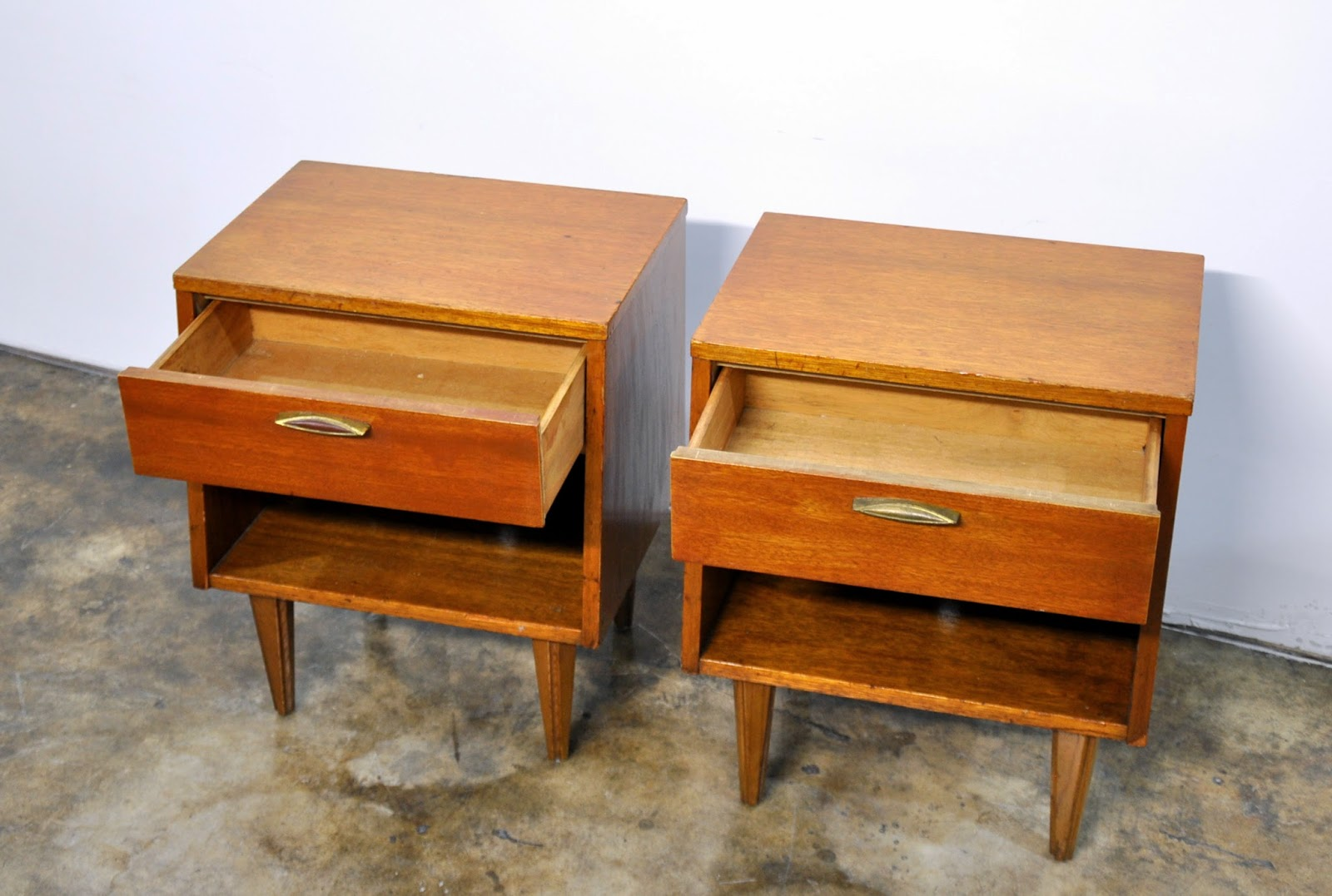 Select Modern Pair Of Nightstands Bedside Side Or End