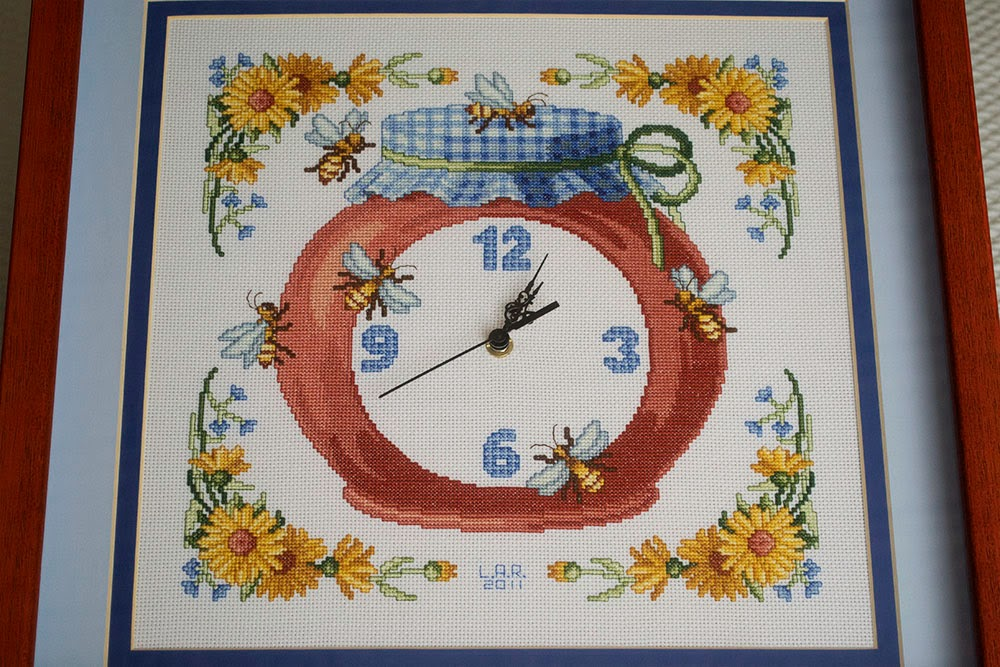 Reloj tarro de miel punto de cruz