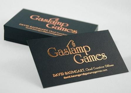 Đây là một mẫu card visit ép kim loại đẹp cho người trung thành