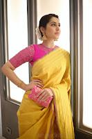 Rashi Khanna in Yellow Saree Stills, Rashi Khanna Latest Saree Image