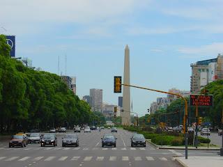Avenida 9 de Julio e Obelisco, em Buenos Aires