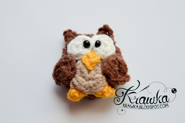 Krawka: Crochet button / pin / broosh: Cute Brown Owl